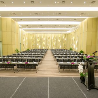 complimentary-meeting-room-rental