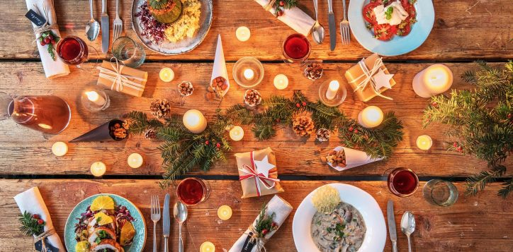 festive-thanksgiving-christmas-holiday-dinner-table3-2